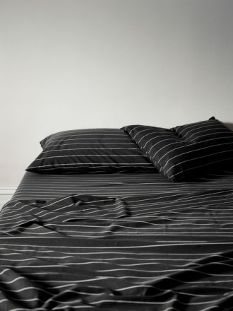 French Stripe Organic Cotton Sheet Set - Black