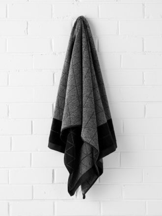 Chambray Border Bath Sheet - Black