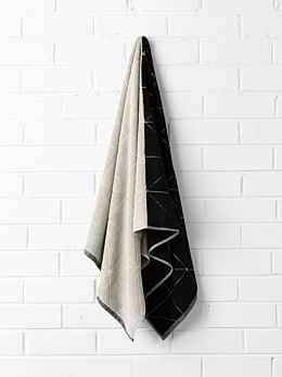Duet Bath Towel - Black/Natural
