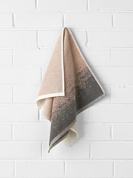 Eclipse Hand Towel - Blush