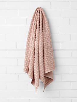 Waffle Bath Towel - Pink Clay